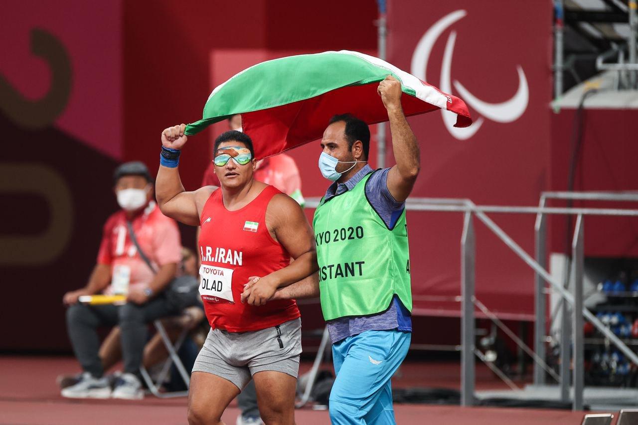 آیین استقبال از ورزشکاران و مربی ورزش اصفهان ابراهیم مومنی